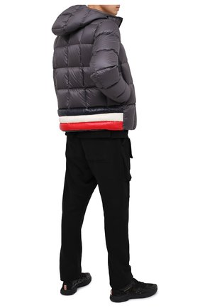 Мужская пуховая куртка charbonnel MONCLER серого цвета, арт. F2-091-1A210-00-C0609 | Фото 2