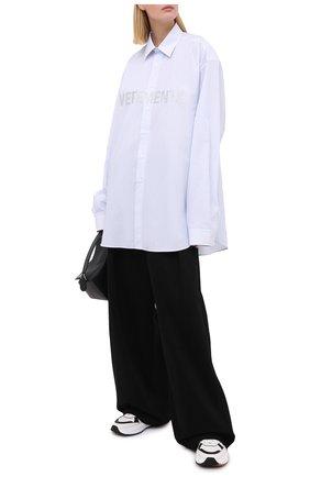 Женская хлопковая рубашка VETEMENTS голубого цвета, арт. UAH21SH067 1012/W   Фото 2