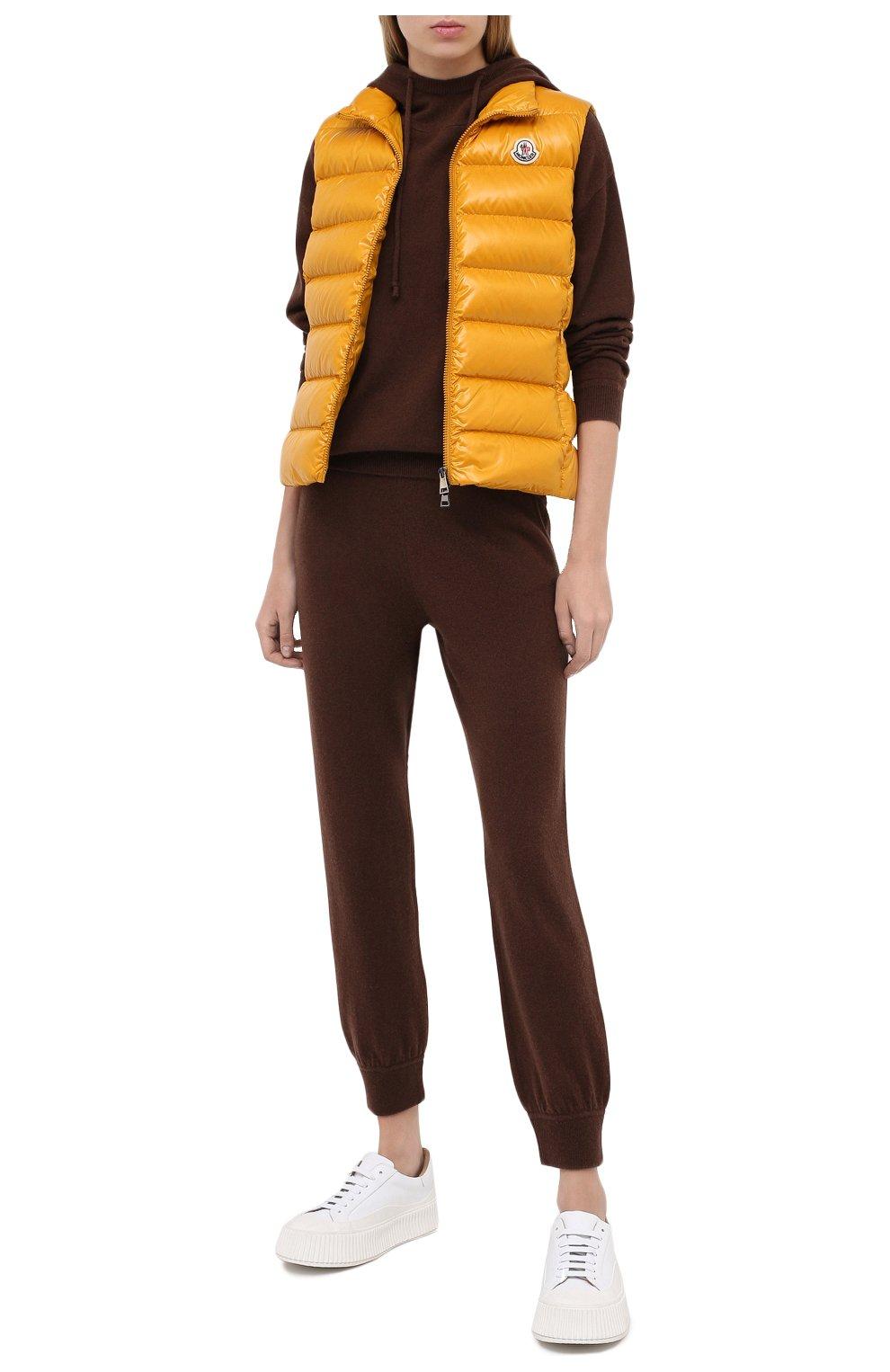 Женский пуховый жилет MONCLER желтого цвета, арт. F2-093-1A525-00-68950 | Фото 2