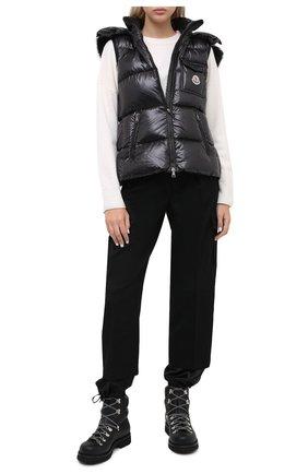 Женский пуховый жилет MONCLER черного цвета, арт. F2-093-1A549-01-C0064 | Фото 2