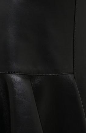 Женская кожаная юбка ALEXANDER MCQUEEN черного цвета, арт. 633556/Q5AEF   Фото 6