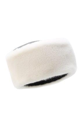 Женская меховая шапка KUSSENKOVV белого цвета, арт. 69301718456 | Фото 1