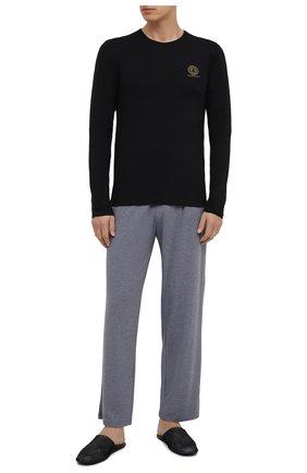Мужская хлопковый лонгслив VERSACE черного цвета, арт. AUU01007/A232741 | Фото 2 (Длина (для топов): Стандартные; Рукава: Длинные; Материал внешний: Хлопок; Мужское Кросс-КТ: Футболка-белье; Кросс-КТ: домашняя одежда)