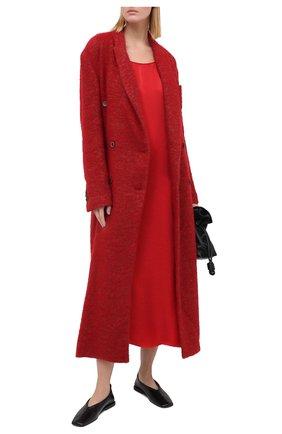 Женское платье UMA WANG красного цвета, арт. A0 M UP5094 | Фото 2 (Длина Ж (юбки, платья, шорты): Миди; Женское Кросс-КТ: Платье-одежда; Стили: Минимализм; Случай: Повседневный; Материал внешний: Купро)