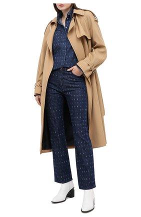 Женские джинсы VICTORIA, VICTORIA BECKHAM синего цвета, арт. 2320DJE001377A | Фото 2