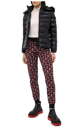 Женский пуховая куртка MONCLER черного цвета, арт. F2-093-1A540-02-C0064 | Фото 2
