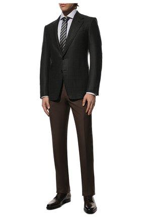 Мужской шерстяной пиджак TOM FORD темно-серого цвета, арт. 822R47/10SP40 | Фото 2 (Рукава: Длинные; Длина (для топов): Стандартные; Материал подклада: Купро, Шелк; Материал внешний: Шерсть; Случай: Формальный; Пиджаки М: Приталенный; 1-2-бортные: Однобортные; Стили: Классический)