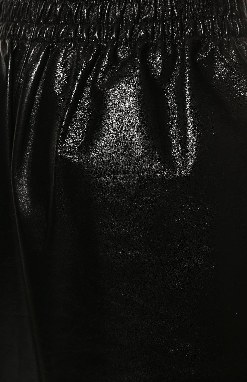 Женские кожаные шорты BOTTEGA VENETA черного цвета, арт. 633445/VKLC0 | Фото 5