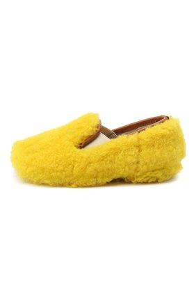 Детского домашние туфли из меха GALLUCCI желтого цвета, арт. M00003AS/SC P C CRE MCU | Фото 2 (Материал внешний: Натуральный мех; Материал внутренний: Натуральная кожа; Кросс-КТ: слиперы)