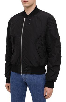 Мужской бомбер DRIES VAN NOTEN черного цвета, арт. 202-20503-1314   Фото 4 (Кросс-КТ: Куртка; Рукава: Длинные; Принт: Без принта; Материал внешний: Синтетический материал; Мужское Кросс-КТ: Верхняя одежда; Длина (верхняя одежда): Короткие; Стили: Кэжуэл)