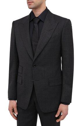 Мужской шерстяной костюм TOM FORD темно-серого цвета, арт. 811R16/21AL43 | Фото 2 (Рукава: Длинные; Материал подклада: Купро, Шелк; Материал внешний: Шерсть; Стили: Классический; Костюмы М: Однобортный)