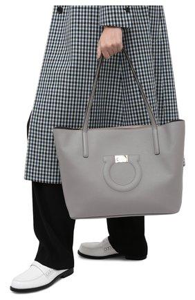 Женский сумка-тоут gancini medium SALVATORE FERRAGAMO серого цвета, арт. Z-0732508 | Фото 2