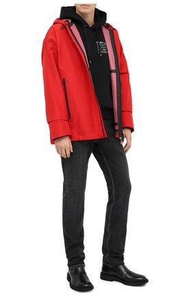 Мужская куртка BOTTEGA VENETA красного цвета, арт. 634083/VKU00 | Фото 2 (Рукава: Длинные; Материал внешний: Синтетический материал; Мужское Кросс-КТ: Куртка-верхняя одежда, Верхняя одежда; Стили: Минимализм; Кросс-КТ: Ветровка, Куртка; Длина (верхняя одежда): До середины бедра)