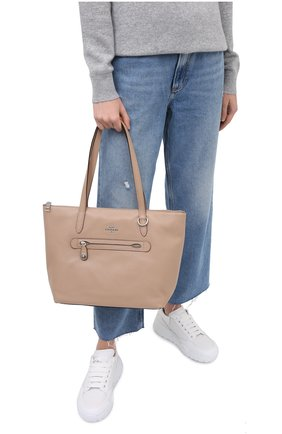 Женский сумка-шопер taylor COACH бежевого цвета, арт. 38312 | Фото 2