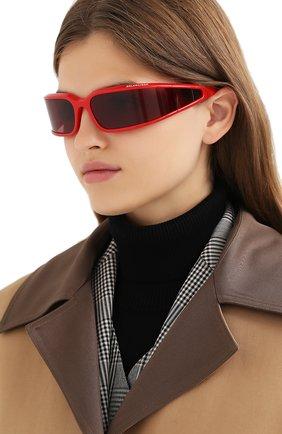 Женские солнцезащитные очки BALENCIAGA красного цвета, арт. 641689/T0007 | Фото 2