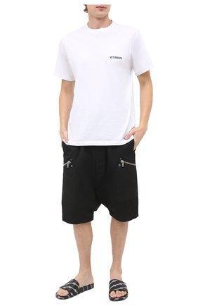 Мужские шлепанцы BALENCIAGA черно-белого цвета, арт. 590930/W2BG0 | Фото 2