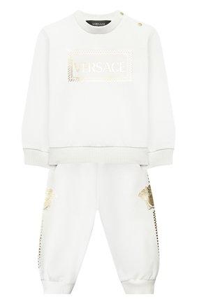 Детский комплект из свитшота и брюк VERSACE белого цвета, арт. YE000185/YA00077 | Фото 1