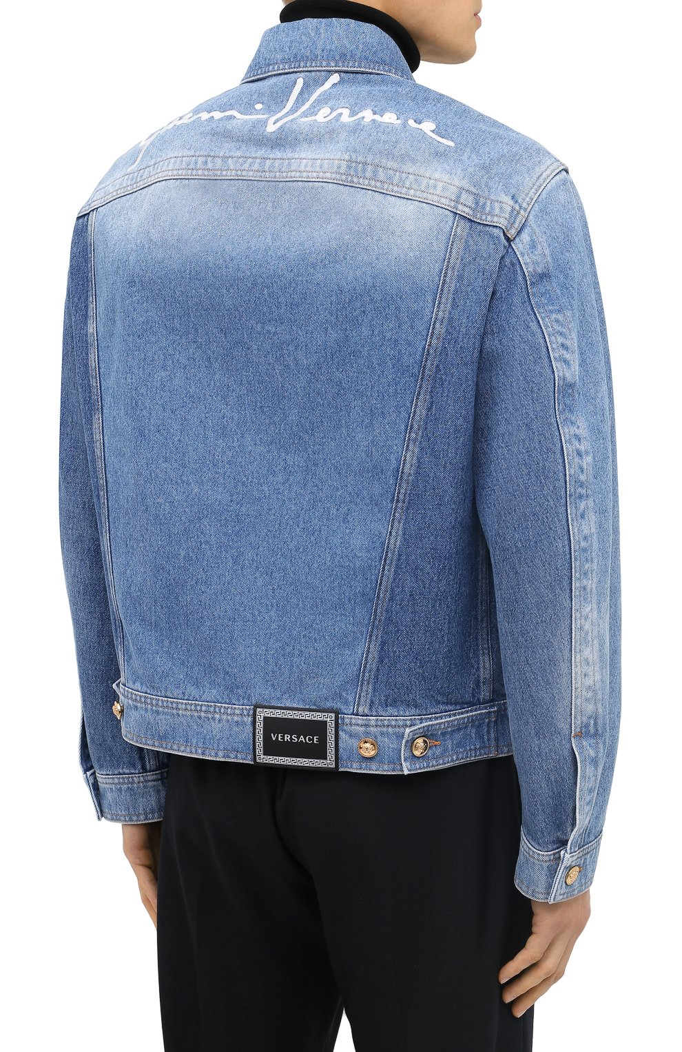 Мужская джинсовая куртка VERSACE синего цвета, арт. A87374/A235957 | Фото 4