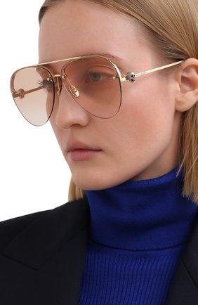 Женские солнцезащитные очки ALEXANDER MCQUEEN золотого цвета, арт. AM0270S-004   Фото 2