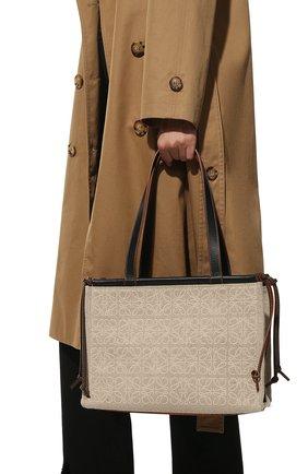 Женский сумка cushion LOEWE бежевого цвета, арт. A612A93X05 | Фото 2