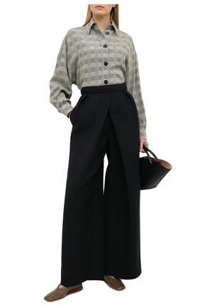 Женские брюки из шерсти и шелка VIKA GAZINSKAYA черного цвета, арт. FW20-1735 | Фото 2