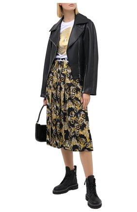 Женская юбка VERSACE JEANS COUTURE разноцветного цвета, арт. A9HZA303-ZDP817/S0835 | Фото 2