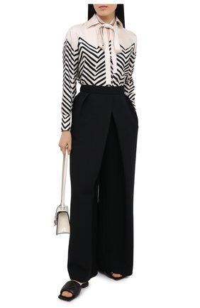 Женская шелковая блузка VALENTINO черно-белого цвета, арт. UB3AB18T5LJ | Фото 2