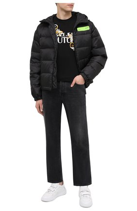 Мужская пуховая куртка VERSACE JEANS COUTURE черного цвета, арт. E5GZA913-ZUP413/25133   Фото 2