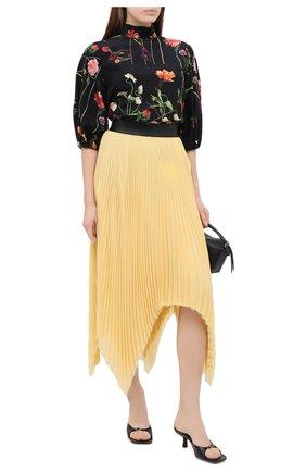 Женская шелковая блузка VALENTINO черного цвета, арт. UB0AB1R0624   Фото 2