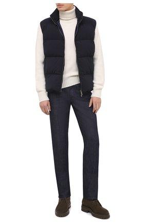 Мужской кашемировый свитер TOM FORD белого цвета, арт. BVG50/TFK320 | Фото 2 (Материал внешний: Шерсть, Кашемир; Рукава: Длинные; Длина (для топов): Стандартные; Принт: Без принта; Стили: Кэжуэл; Мужское Кросс-КТ: Свитер-одежда)