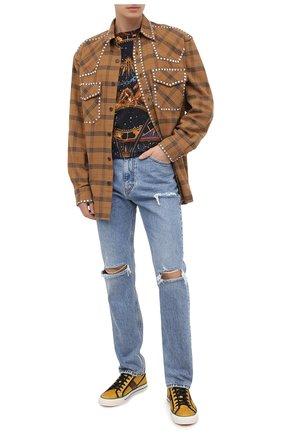 Мужские джинсы GUCCI синего цвета, арт. 623953/XDBFM | Фото 2