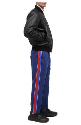 Мужской хлопковые джоггеры GUCCI синего цвета, арт. 615775/XDBBH | Фото 2