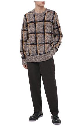 Мужские хлопковые брюки JACQUEMUS темно-серого цвета, арт. 206PA03/150930 | Фото 2 (Материал внешний: Хлопок; Длина (брюки, джинсы): Стандартные; Случай: Повседневный; Стили: Минимализм)