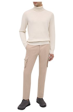 Мужские замшевые кроссовки KITON серого цвета, арт. USSFREEN00682/CNIL | Фото 2 (Материал внутренний: Натуральная кожа; Подошва: Массивная; Стили: Классический)