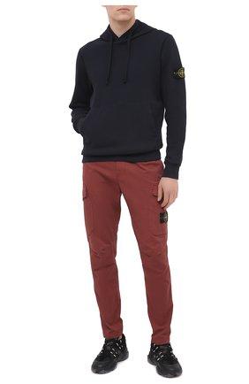 Мужской хлопковые брюки-карго STONE ISLAND бордового цвета, арт. 731531310 | Фото 2