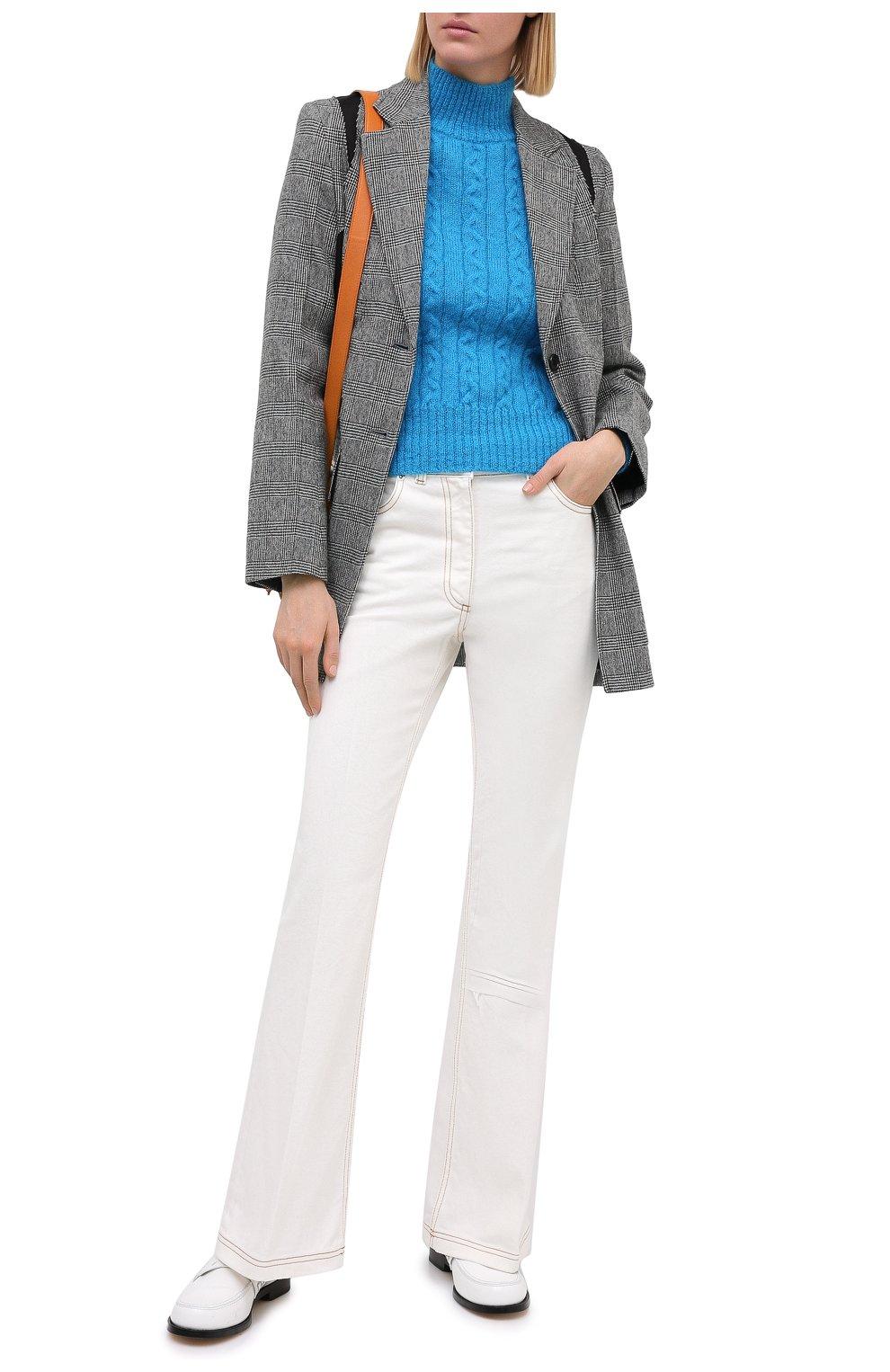Женские джинсы JW ANDERSON белого цвета, арт. TR0105 PG0178   Фото 2 (Кросс-КТ: Деним; Длина (брюки, джинсы): Стандартные; Материал внешний: Хлопок; Стили: Классический)