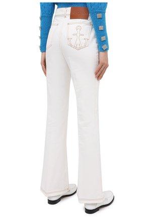 Женские джинсы JW ANDERSON белого цвета, арт. TR0105 PG0178   Фото 4 (Кросс-КТ: Деним; Длина (брюки, джинсы): Стандартные; Материал внешний: Хлопок; Стили: Классический)