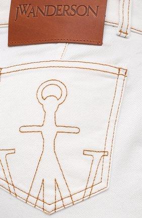 Женские джинсы JW ANDERSON белого цвета, арт. TR0105 PG0178   Фото 5 (Кросс-КТ: Деним; Длина (брюки, джинсы): Стандартные; Материал внешний: Хлопок; Стили: Классический)