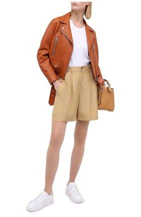 Женские шелковые шорты VINCE бежевого цвета, арт. V654821783 | Фото 2