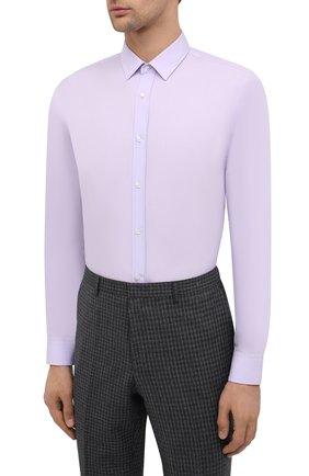Мужская хлопковая сорочка HUGO сиреневого цвета, арт. 50418107 | Фото 3 (Манжеты: На пуговицах; Воротник: Кент; Рукава: Длинные; Длина (для топов): Стандартные; Материал внешний: Хлопок; Стили: Классический; Случай: Формальный; Принт: Однотонные; Мужское Кросс-КТ: Сорочка-одежда)