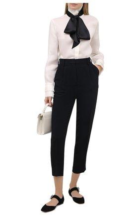 Женская шелковая блузка RALPH LAUREN кремвого цвета, арт. 290824561 | Фото 2 (Длина (для топов): Стандартные; Материал внешний: Шелк; Рукава: Длинные; Женское Кросс-КТ: Блуза-одежда; Принт: Без принта; Стили: Романтичный)
