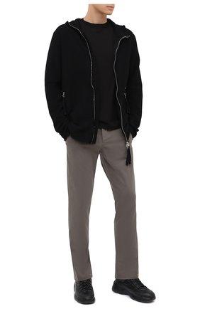 Мужские хлопковые брюки TRANSIT серого цвета, арт. CFUTRMA100   Фото 2 (Материал внешний: Хлопок; Случай: Повседневный; Силуэт М (брюки): Чиносы; Длина (брюки, джинсы): Стандартные; Стили: Кэжуэл)