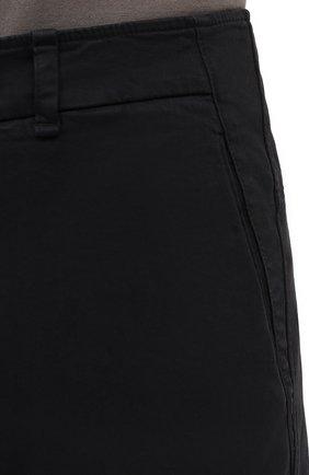 Мужские хлопковые брюки TRANSIT темно-серого цвета, арт. CFUTRMA100   Фото 5 (Силуэт М (брюки): Чиносы; Длина (брюки, джинсы): Стандартные; Случай: Повседневный; Материал внешний: Хлопок; Стили: Кэжуэл)