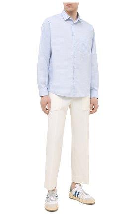 Мужская хлопковая рубашка JACQUEMUS голубого цвета, арт. 206SH01/103232 | Фото 2 (Материал внешний: Хлопок; Длина (для топов): Стандартные; Рукава: Длинные; Случай: Повседневный; Стили: Кэжуэл; Воротник: Кент)