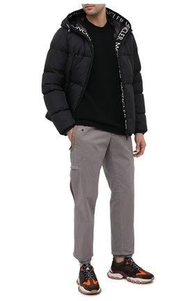 Мужской хлопковые джоггеры MONCLER светло-серого цвета, арт. F2-091-2A749-00-57158 | Фото 2