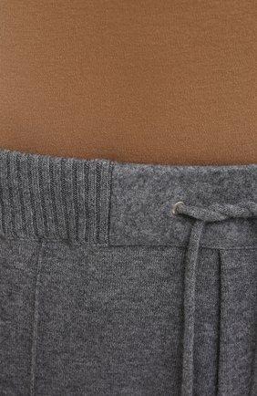 Мужские кашемировые джоггеры FIORONI серого цвета, арт. MKF21411F1   Фото 5 (Мужское Кросс-КТ: Брюки-трикотаж; Материал внешний: Шерсть, Кашемир; Длина (брюки, джинсы): Стандартные; Стили: Спорт-шик; Силуэт М (брюки): Джоггеры)
