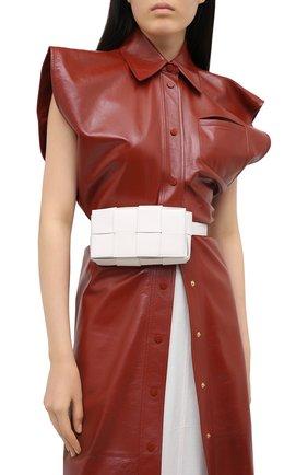 Женская поясная сумка cassette BOTTEGA VENETA белого цвета, арт. 639367/VMAY1 | Фото 2