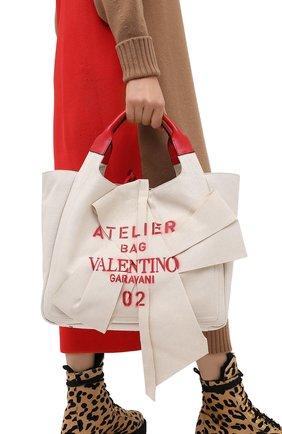 Женский сумка-шопер valentino garavani atelier VALENTINO бежевого цвета, арт. UW0B0H95/SVJ | Фото 2