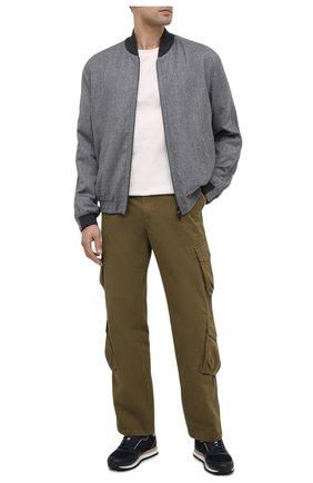Мужской шерстяной бомбер Z ZEGNA светло-серого цвета, арт. 824713/1XBPG0   Фото 2 (Рукава: Длинные; Материал внешний: Шерсть; Длина (верхняя одежда): Короткие; Мужское Кросс-КТ: Верхняя одежда; Принт: Без принта; Стили: Кэжуэл; Кросс-КТ: Куртка)