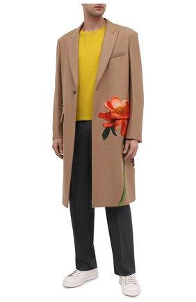 Мужские шерстяные брюки VALENTINO серого цвета, арт. UV0RBF706QJ | Фото 2 (Материал внешний: Шерсть; Длина (брюки, джинсы): Стандартные; Случай: Повседневный; Стили: Кэжуэл)